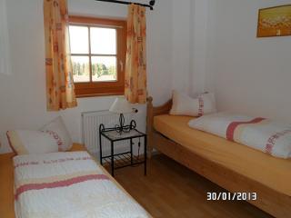 Zweibettzimmer Beispiel Berggasthof Kraxenberger