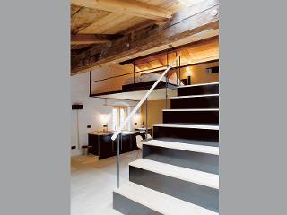 Küche und Treppe zum Schlafzimmer