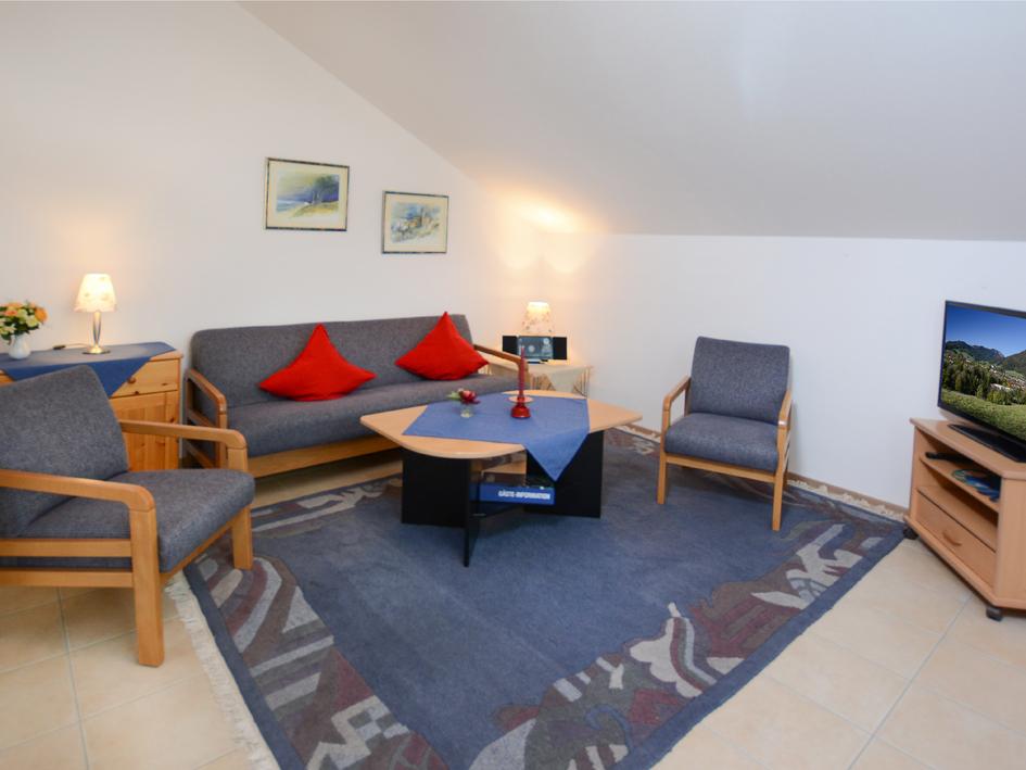 Am badezentrum ferienwohnungen de ruhpolding for Wohnzimmer 45qm