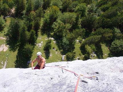 Mehrseillängen Sportklettern - Einstieg in lange Felsrouten