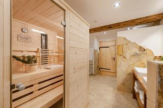 Badezimmer und Sauna