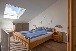 gemütliches Schlafzimmer.jpg
