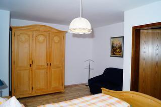 Ferienwohnung 3 Edelweiss Schlafzimmer