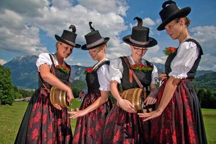 """""""Bayerischer Herbst"""" - Wirtshausmusizieren mit kulinarischen Schmankerln beim Blauen Gamsbock"""