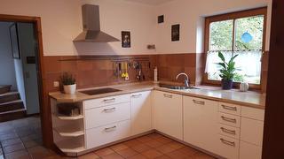 Die Küche bietet viel Platz