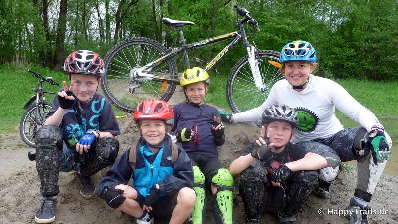 Kinder Mountainbike Tageskurs 6-11 Jahre - Maloja Spielplatz im Bikepark Samerberg