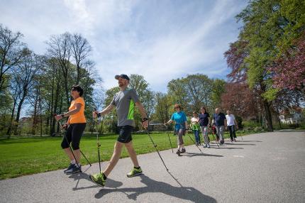 """Gesundheitskurs """"Nordic Walking-Kompakt"""""""