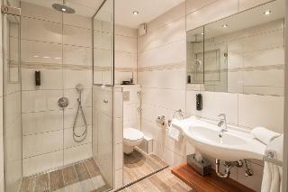 Komfort Doppelzimmer Bad / Urheber: Hotel Isartor / Rechteinhaber: © Hotel Isartor