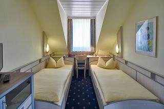Dreibettzimmer / Urheber: Hotel Alfa GmbH / Rechteinhaber: © Hotel Alfa GmbH