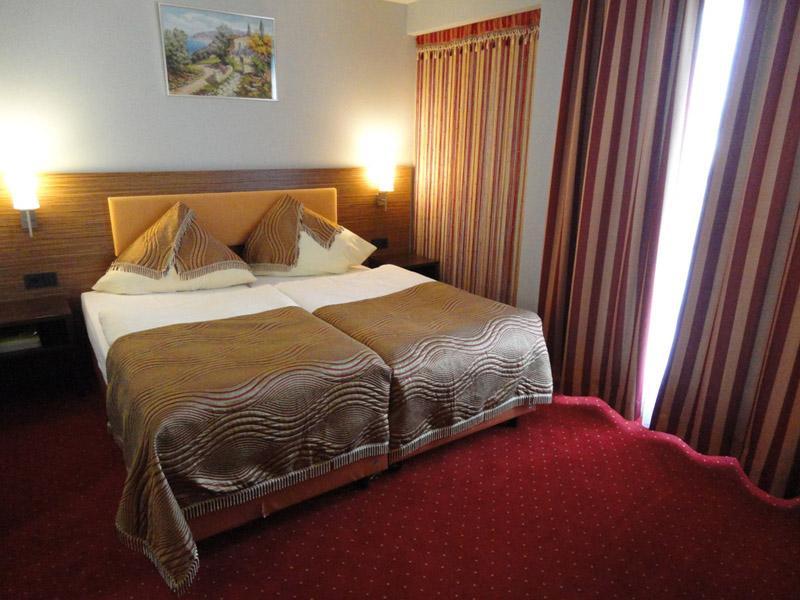 Grand Hotel Dream Frankfurt