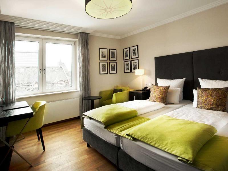 hotel hamburger hof frankfurt tourismus. Black Bedroom Furniture Sets. Home Design Ideas