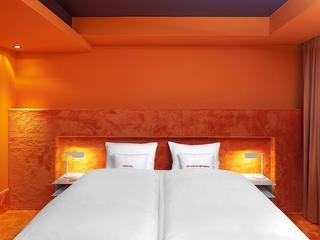 Doppelzimmer M+ / Urheber: 25hours Hotel The Goldman / Rechteinhaber: © 25hours Hotel The Goldman