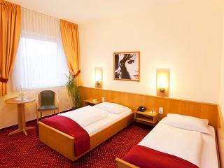 Zweibettzimmer und Doppelzimmer / Urheber: Komfort Hotel Wiesbaden / Rechteinhaber: © Komfort Hotel Wiesbaden