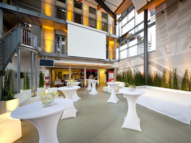 adac fahrsicherheitszentrum rhein main frankfurt tourismus. Black Bedroom Furniture Sets. Home Design Ideas