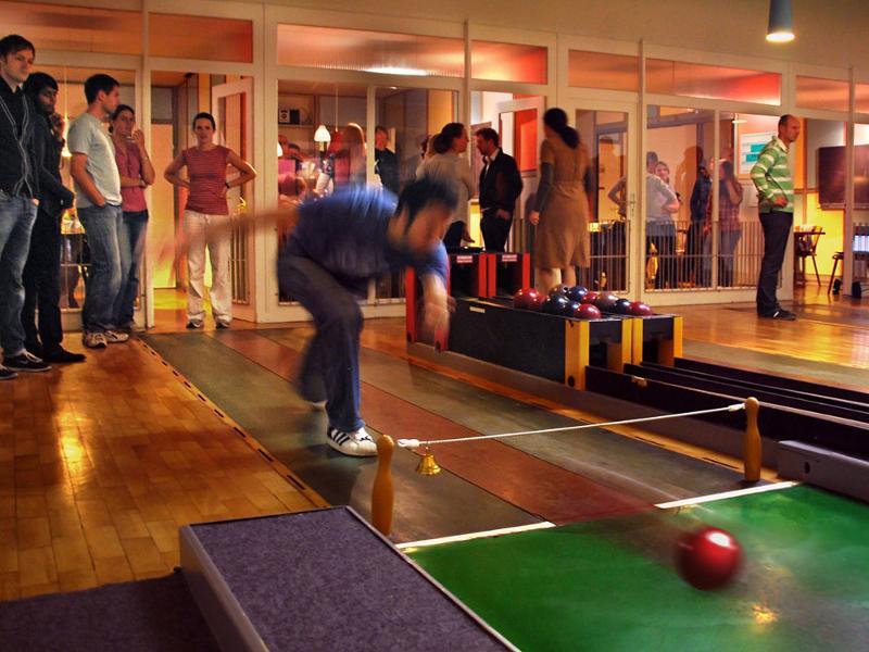 Kegelbahn Frankfurt bembel bowling at a historical frankfurt apple wine pub frankfurt