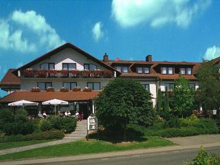 Parkhotel Emstaler Höhe Außenansicht / Rechteinhaber: © Parkhotel Emstaler Höhe