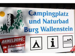 Schild / Urheber: Campingplatz Burg Wallenstein / Rechteinhaber: © Campingplatz Burg Wallenstein