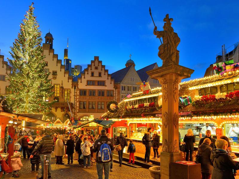 Weihnachtsmarkt-Rundgang (Deutsch/Englisch) - Familienticket (zwei Erwachsene und zwei Kinder von 4-14 Jahren)
