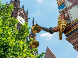 Neue Altstadt: Goldene Waage und Kaiserdom / Author: Holger Ullmann / Copyright holder: © #visitfrankfurt