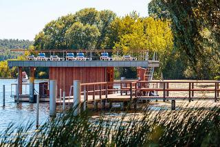 INSELHOTEL Potsdam schwimmende Seesauna