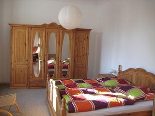 Schlafzimmer eins
