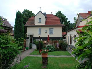 Blick_aus_dem_Garten.jpg