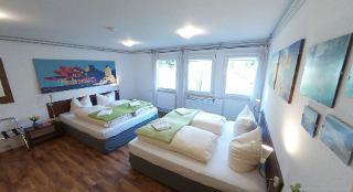 Familienzimmer simple Etagenbad - externes Privatbad zubuchbar