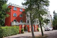 Landhaus & Burg Hotel Romantik