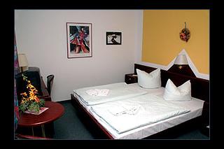 31502 Hotel Aterra - Zimmer1