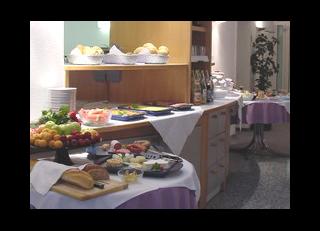 31519 Hotel Tanne- Frühstücksbüfett