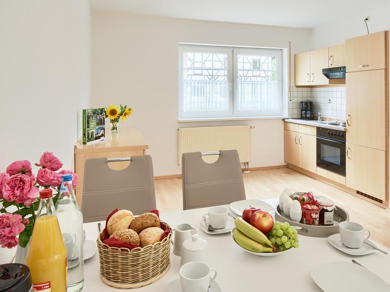 Ferienwohnung 9A Nr. 1 - Küchenzeile und Essbereich