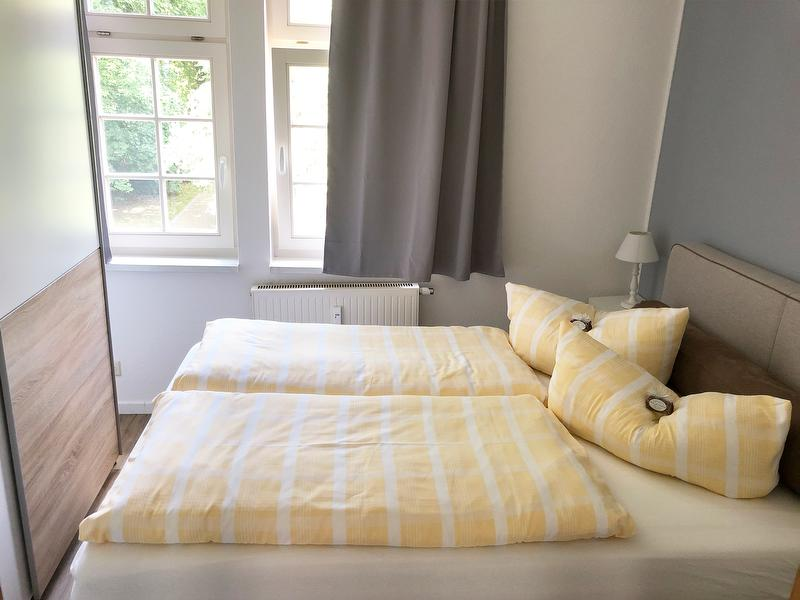 Fewo Am Thermalbad-Bad Nr. 2-gemütliches Schlafzimmer mit Boxspringbett 160x200m