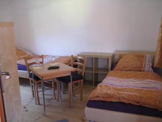 Unser Zweibettzimmer mit getrennt stehenden Betten