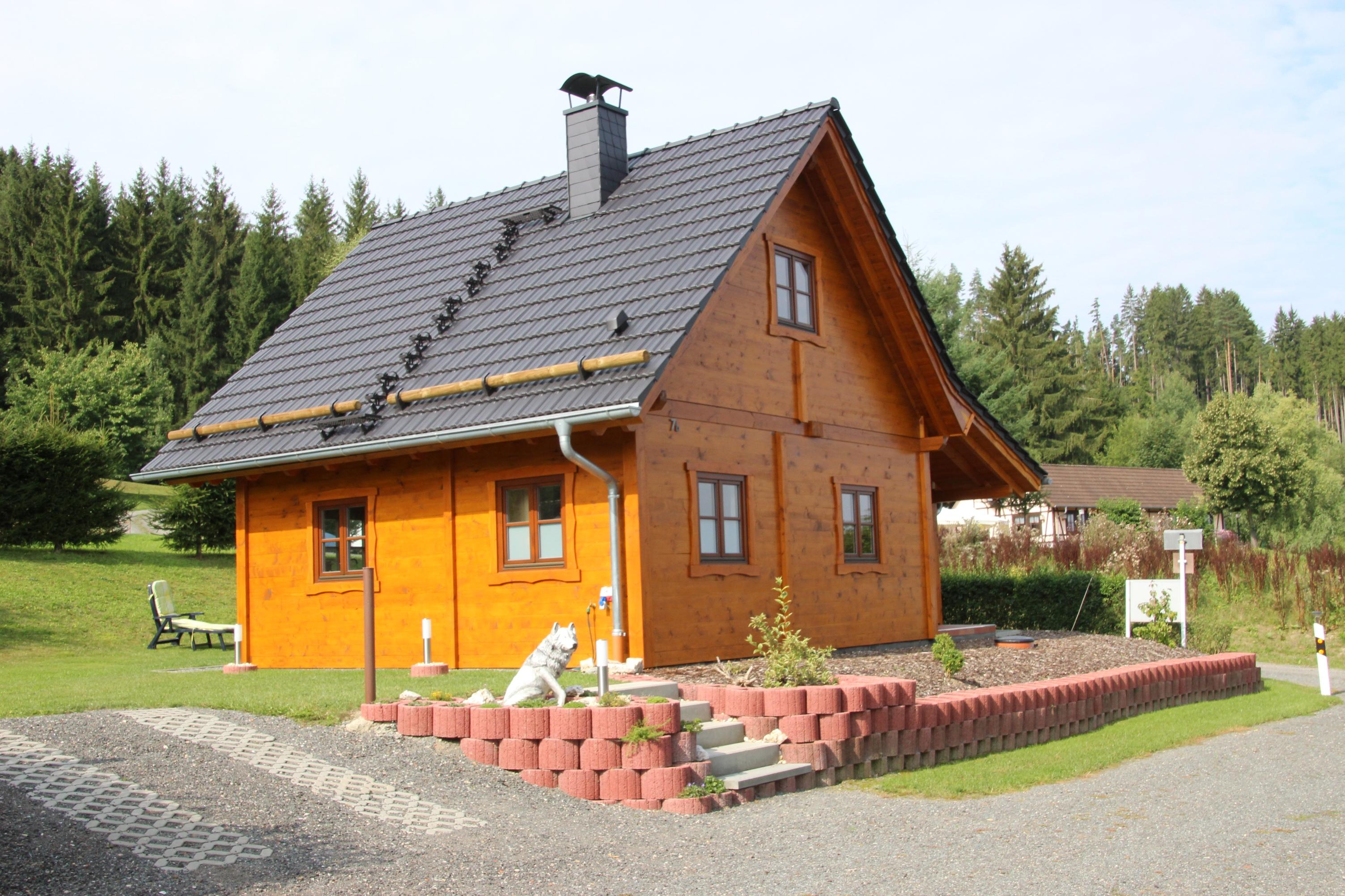 """Ferienhaus """"Wolfs Revier"""" (Drognitz). Fe Ferienhaus in Thüringen"""